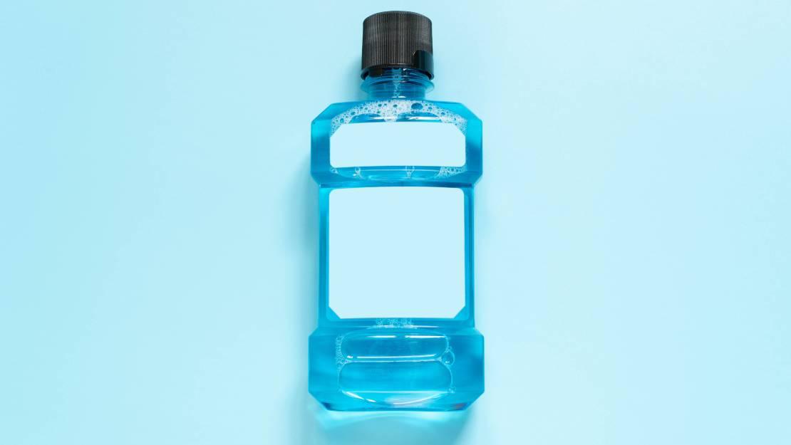 ทำไมน้ำยาบ้วนปากต้องมีสี? สีมีผลอย่างไรต่อการทำความสะอาดช่องปาก?